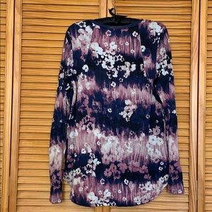 Simply Vera Vera Wang Tops - Long sleeve Vera Wang blue floral top